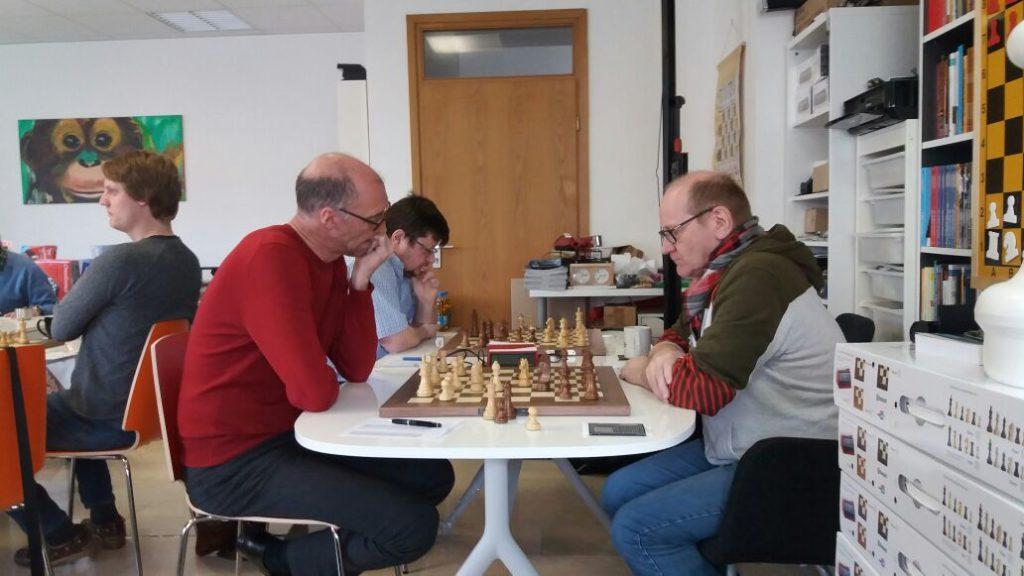 Ralfs Gegner kam mit etwas Verspätung und fand von Anfang an nicht richtig in die Partie