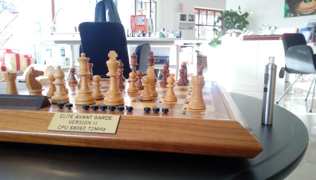 Fidelity V11 Schachcomputer