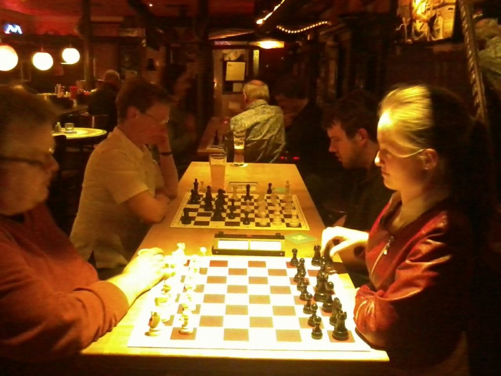 Schachfreunde_Topschach_Anita_Toni_Ritschi_1